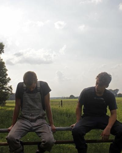 Den tyske filminstruktør Benjamin Cantu blander dokumentarfilm og romantisk skuespil med fint resultat i sin spillefilmsdebut Harvest.